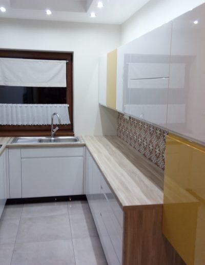 Lakované kuchyně bohdan suchanek