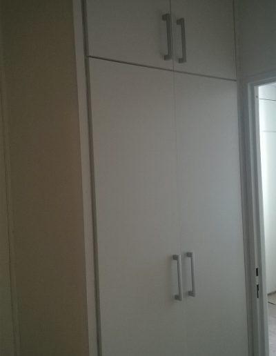 vestavena skřín